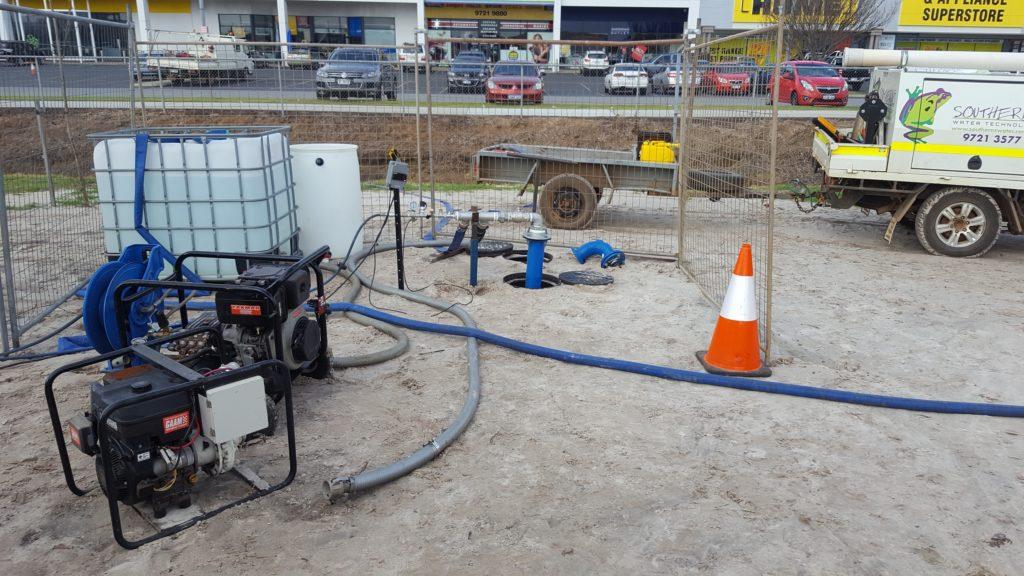 Hydrostatic pressure testing of pipes